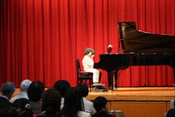 piano-rendan-2010.4.26.jpg